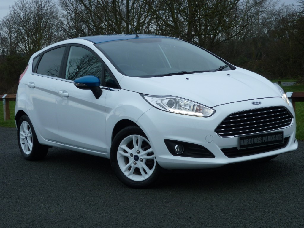 used Ford Fiesta ZETEC WHITE EDITION SPRING [NAV] in wirral-cheshire