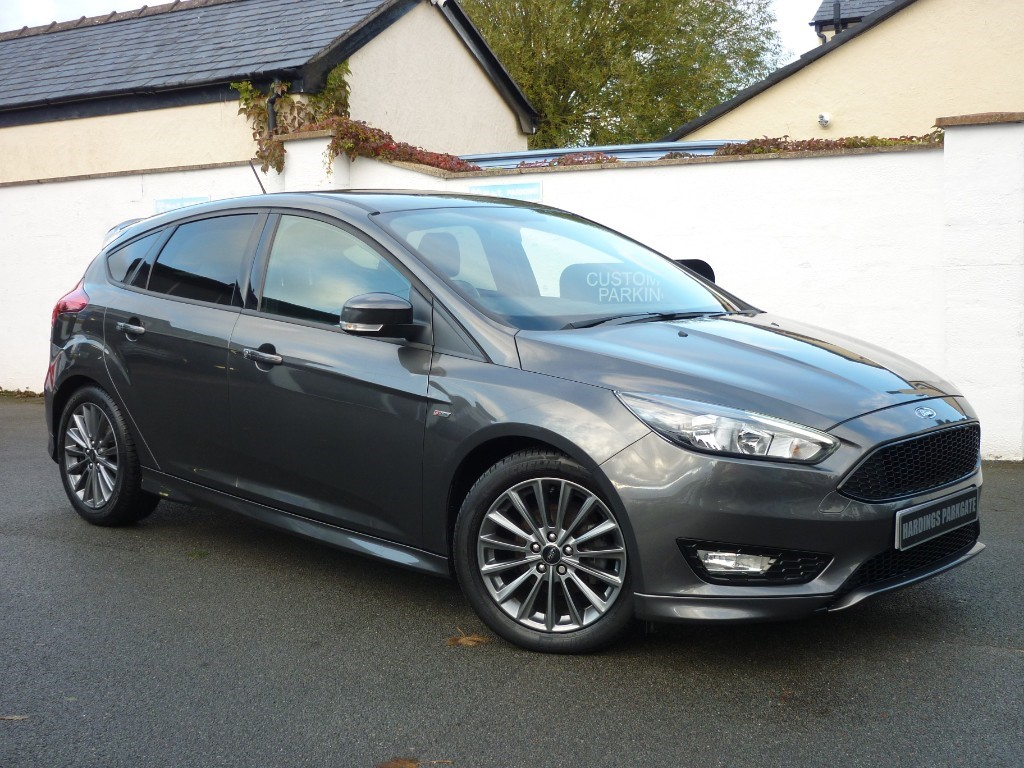 Used Magnetic Grey Metallic Ford Focus For Sale Cheshire