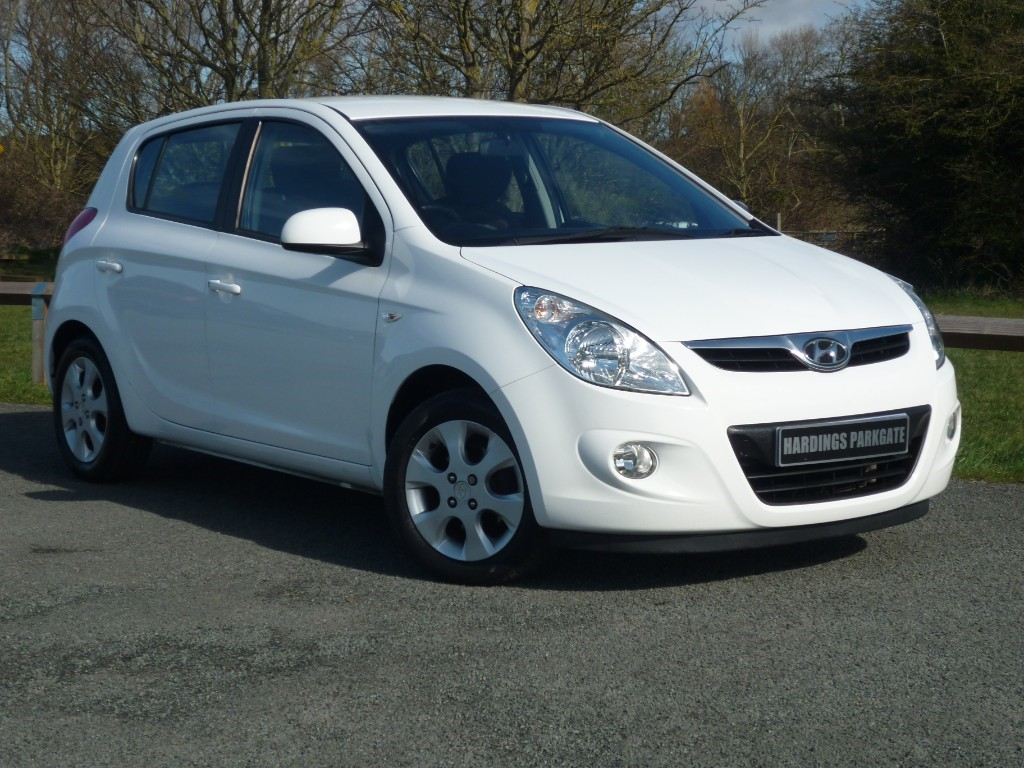 used Hyundai i20 EDITION WITH 2 YEAR FREE SERVICING* in wirral-cheshire