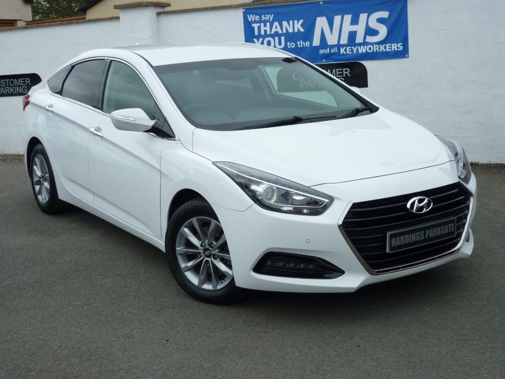 used Hyundai i40 CRDI SE NAV BLUE DRIVE + AA WARRANTY used cars in wirral-cheshire