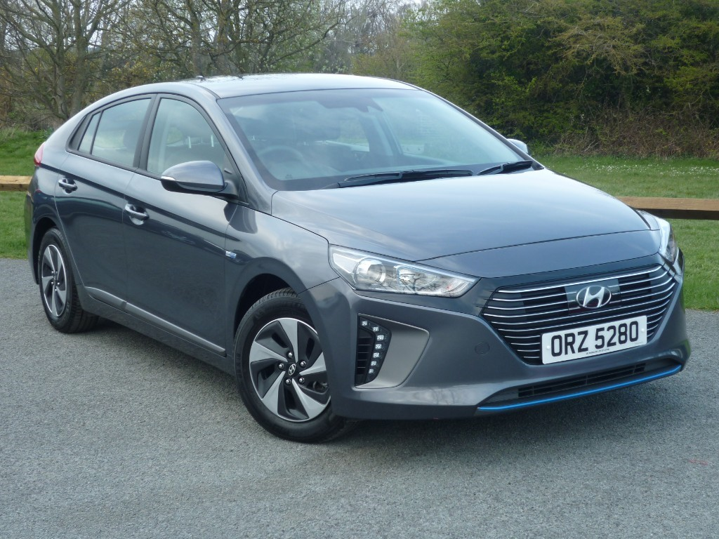 used Hyundai Ioniq SE HYBRID in wirral-cheshire