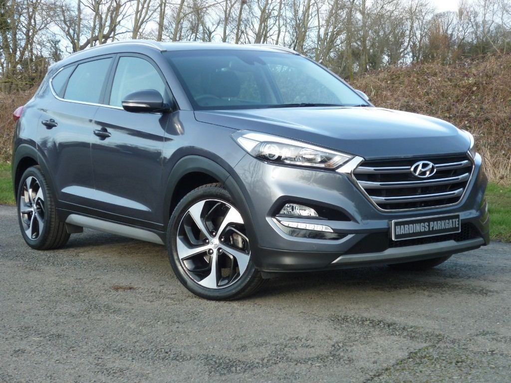 used Hyundai Tucson CRDI PREMIUM BLUE DRIVE AUTO WITH 2 YEAR FREE SERVICING* in wirral-cheshire