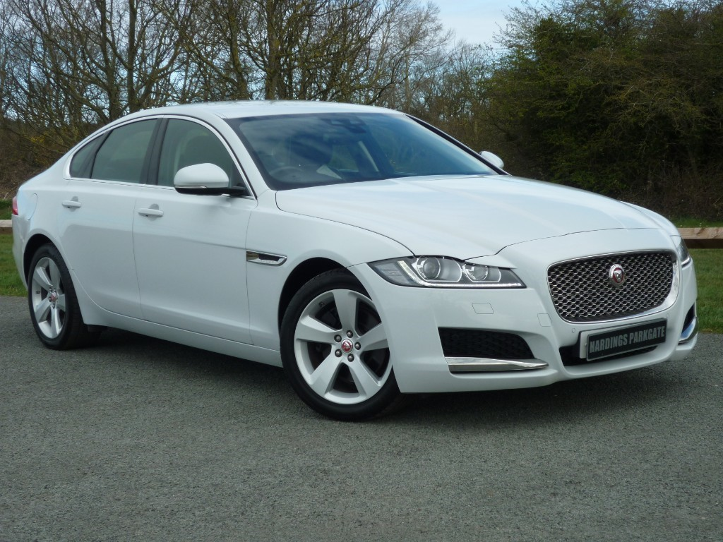 used Jaguar XF D PORTFOLIO AUTO WITH 2 YEAR FREE SERVICING* in wirral-cheshire