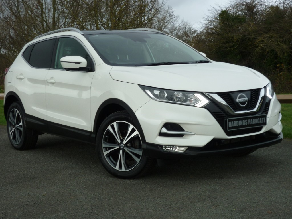 used Nissan Qashqai N-CONNECTA DIG-T [GLASS ROOF PACK] 2 YEARS FREE SERVICING* in wirral-cheshire