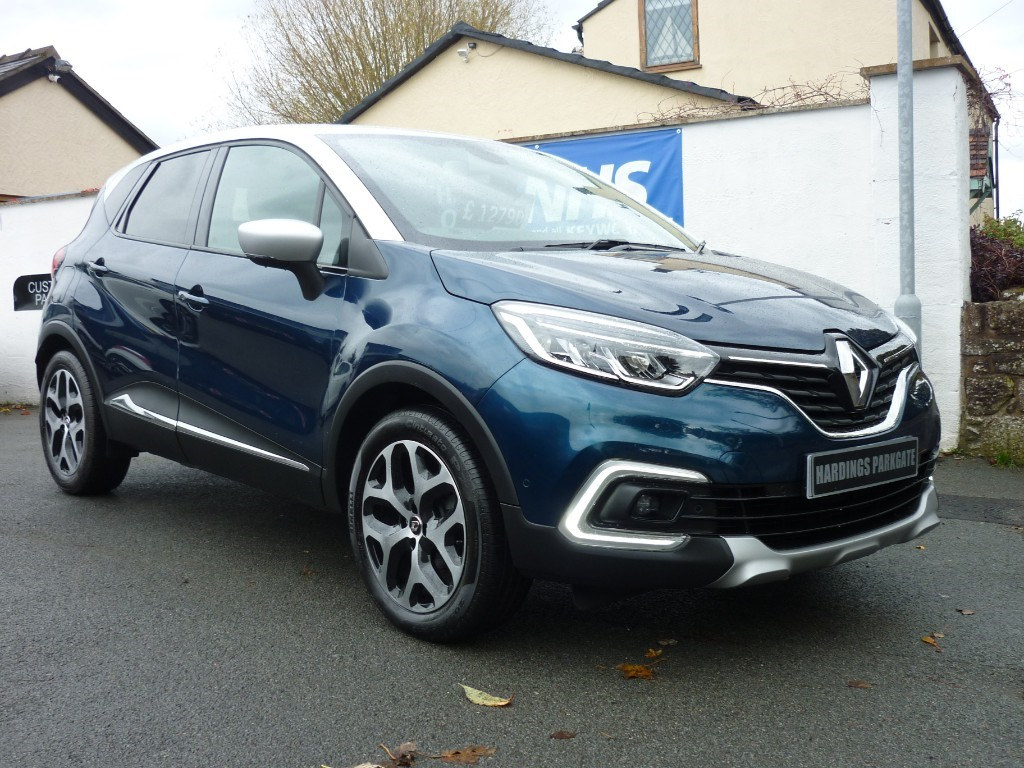used Renault Captur GT LINE TCE WITH 2 YEARS FREE SERVICING* in wirral-cheshire