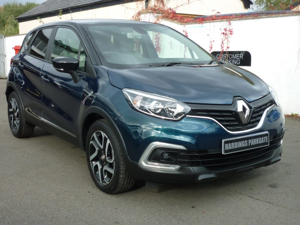 used Renault Captur ICONIC DCI AUTO 2 YEARS FREE SERVICING* used cars in wirral-cheshire