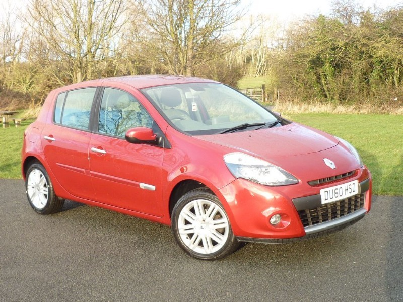 used Renault Clio INITIALE TOMTOM VVT AUTO in wirral-cheshire