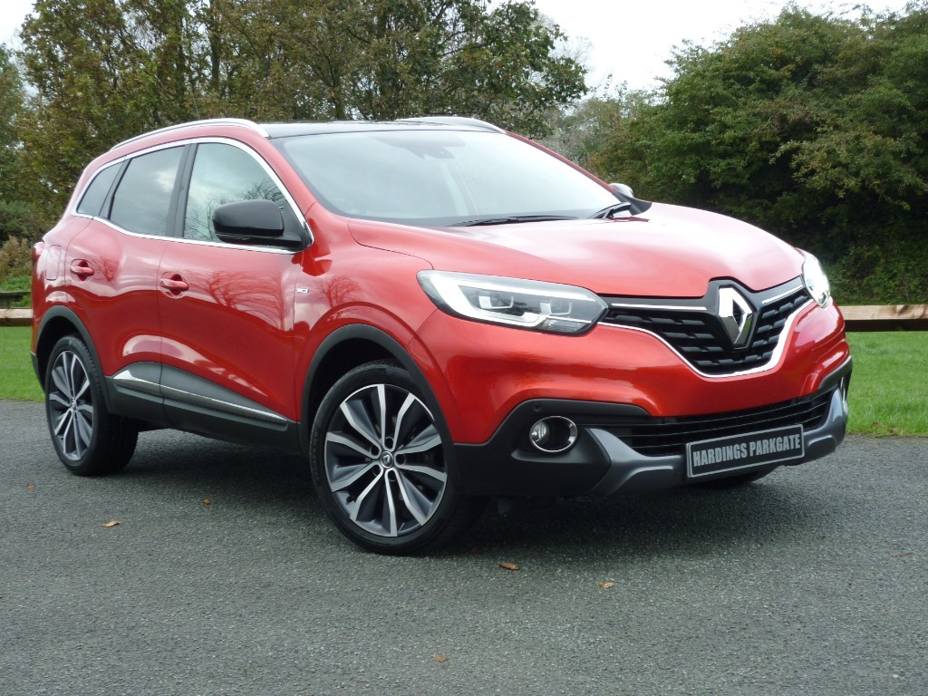 used Renault Kadjar SIGNATURE NAV TCE in wirral-cheshire