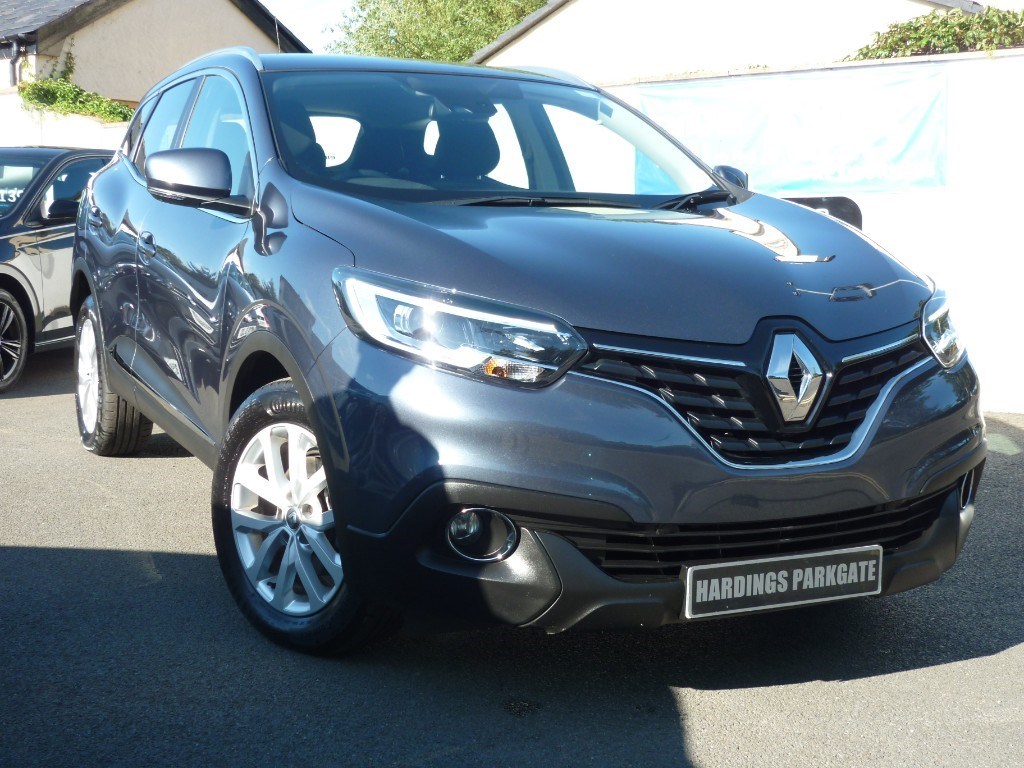 used Renault Kadjar DYNAMIQUE NAV DCI AUTO BALANCE OF RENAULT WARRANTY  used cars in wirral-cheshire