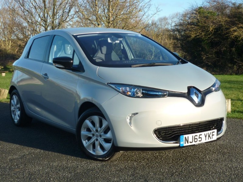 used Renault Zoe DYNAMIQUE NAV in wirral-cheshire