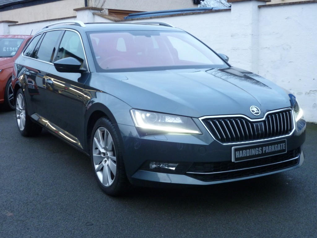 used Skoda Superb SE L EXECUTIVE ESTATE TSI DSG AUTO WITH 2 YEARS FREE SERVICING* used cars in wirral-cheshire