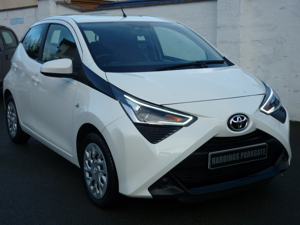 used Toyota Aygo VVT-I X-PLAY WITH 2 YEARS FREE SERVICING* used cars in wirral-cheshire
