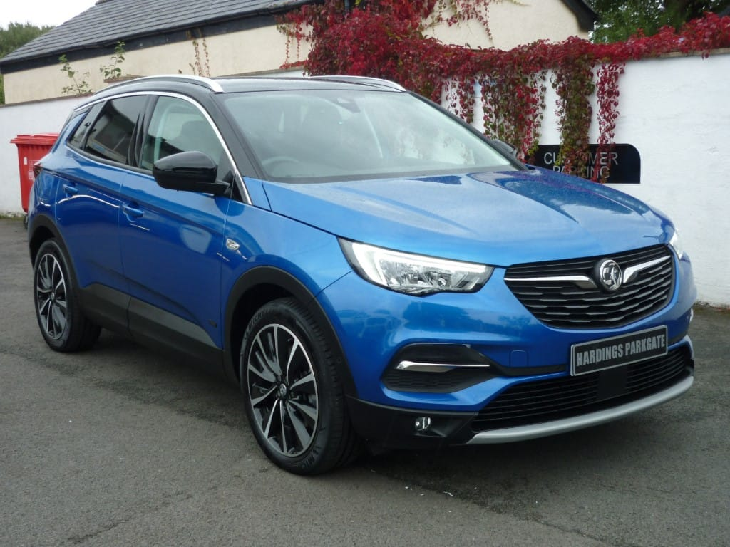 used Vauxhall Grandland X BUSINESS EDITION NAV PHEV AUTO 2 YEARS FREE SERVICING* used cars in wirral-cheshire
