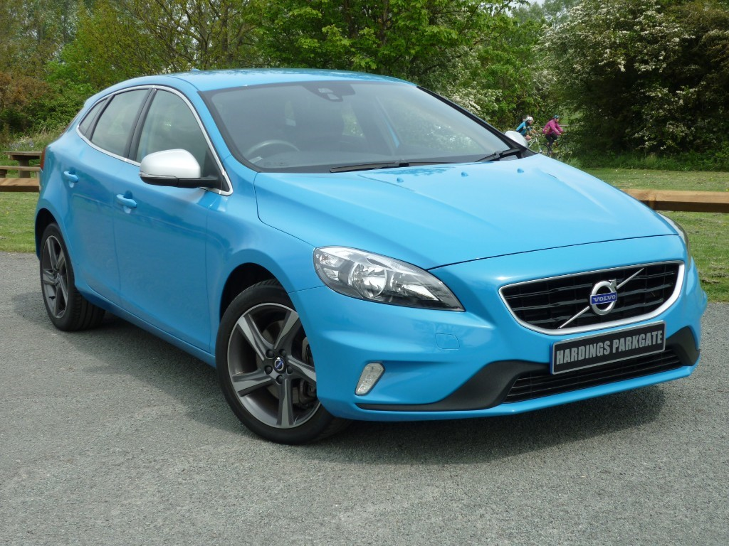 used Volvo V40 T2 R-DESIGN AUTO in wirral-cheshire