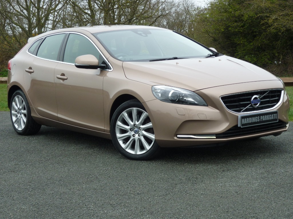 used Volvo V40 D3 SE LUX AUTO + AA WARRANTY used cars in wirral-cheshire