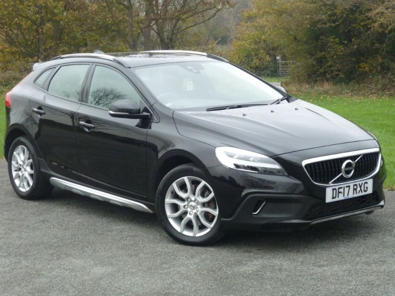 used Volvo V40 T3 CROSS COUNTRY PRO AUTO in wirral-cheshire