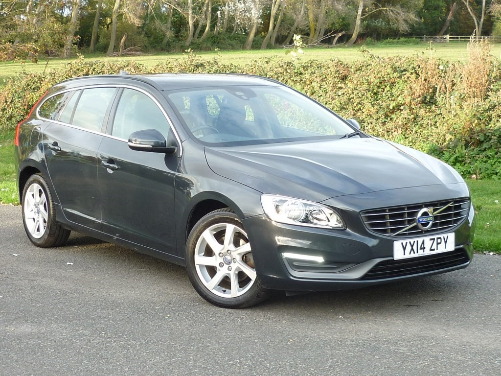 used Volvo V60 D2 SE AUTO ESTATE WITH 1 YEAR FREE AA MEMBERSHIP** in wirral-cheshire