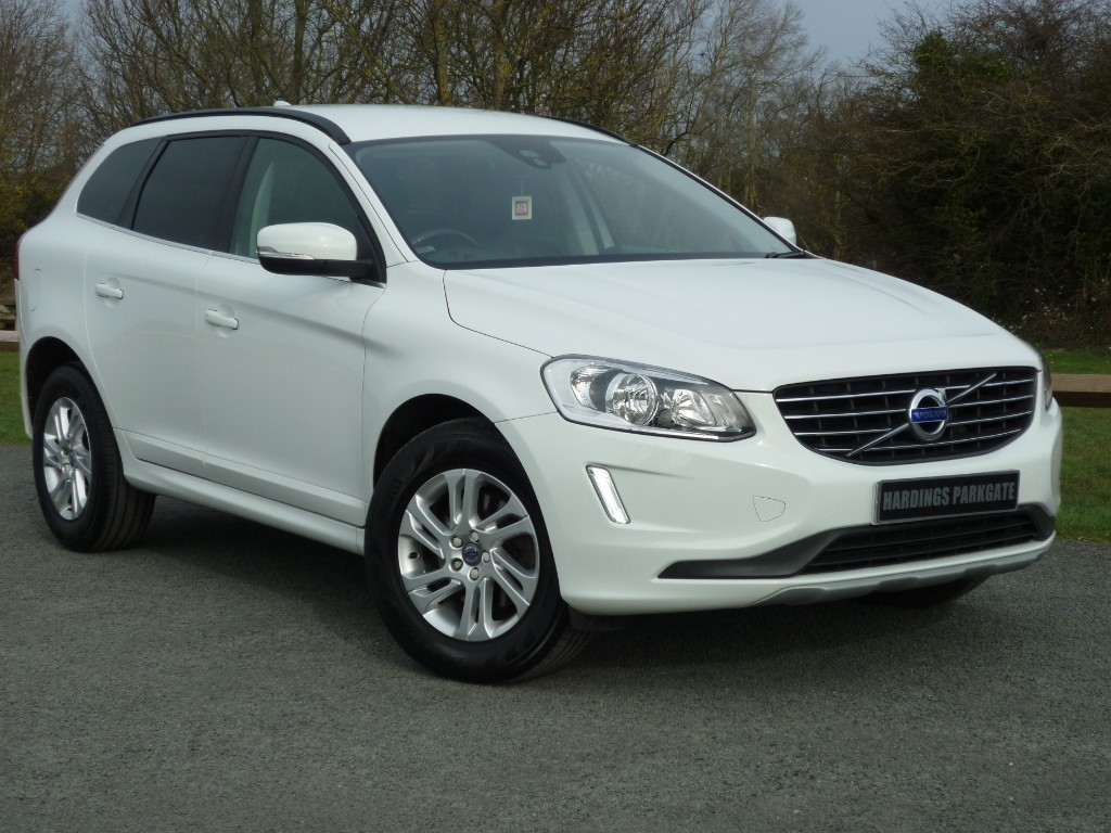 used Volvo XC60 D4 SE WITH 2 YEAR FREE SERVICING* in wirral-cheshire