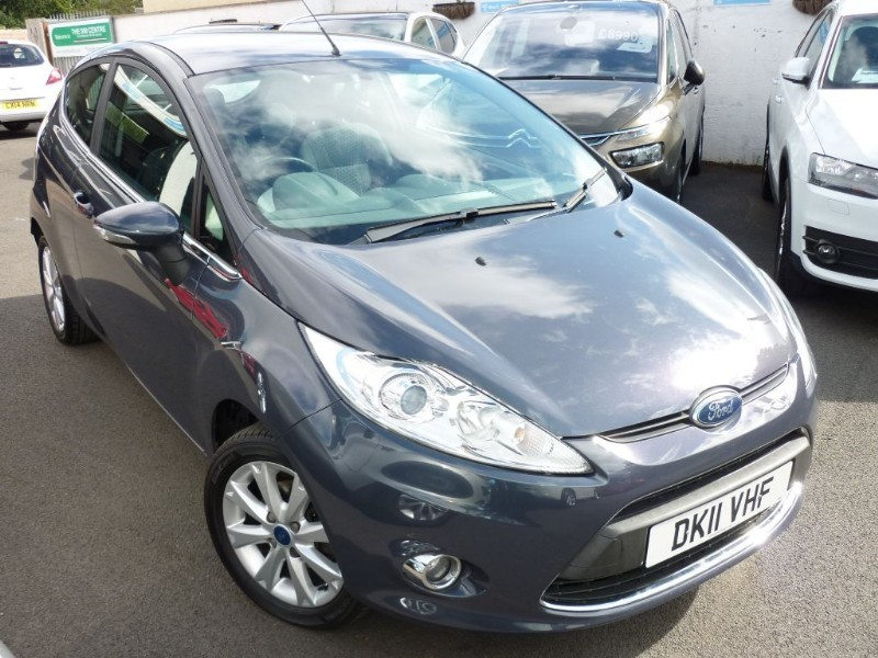 used Ford Fiesta ZETEC WITH 2 YEAR FREE SERVICING* in wirral-cheshire