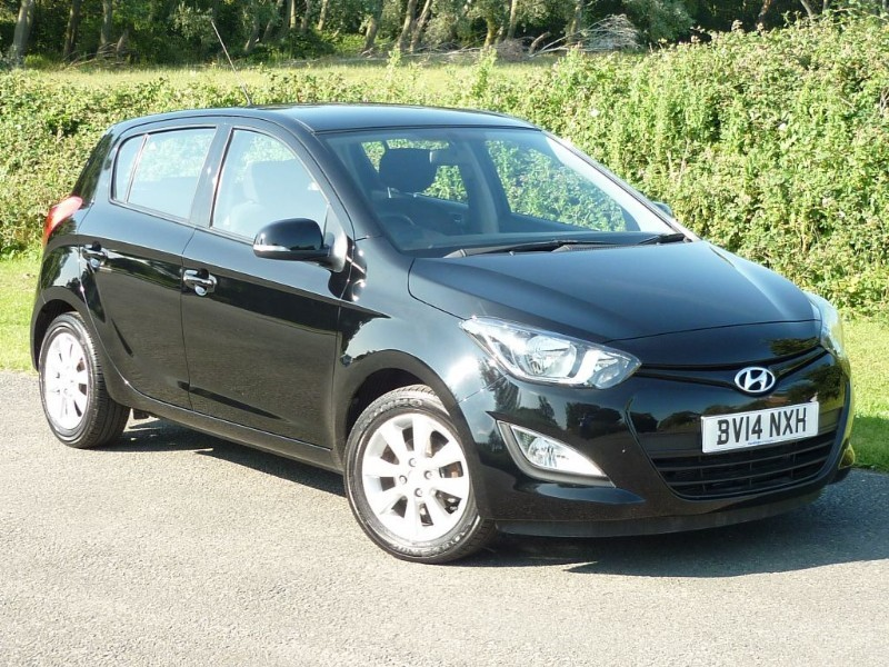 used Hyundai i20 ACTIVE AUTO WITH 2 YEARS FREE SERVICING* in wirral-cheshire