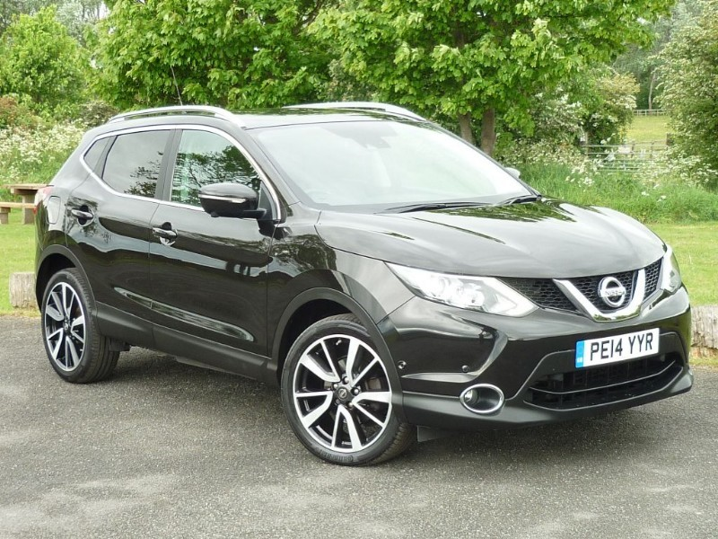 used Nissan Qashqai DCI TEKNA WITH 2 YEAR FREE SERVICING* in wirral-cheshire