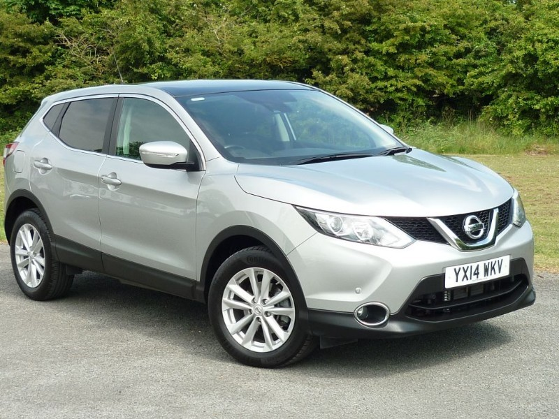 used Nissan Qashqai DCI ACENTA PREMIUM AUTO WITH 2 YEAR FREE SERVICING* in wirral-cheshire