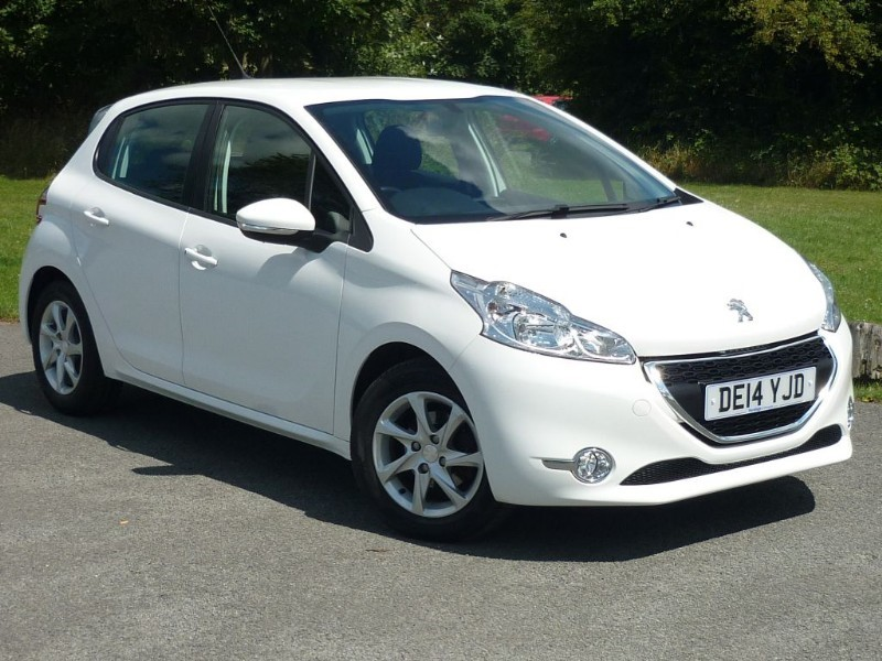 used Peugeot 208 ACTIVE AUTO WITH 2 YEARS FREE SERVICING* in wirral-cheshire