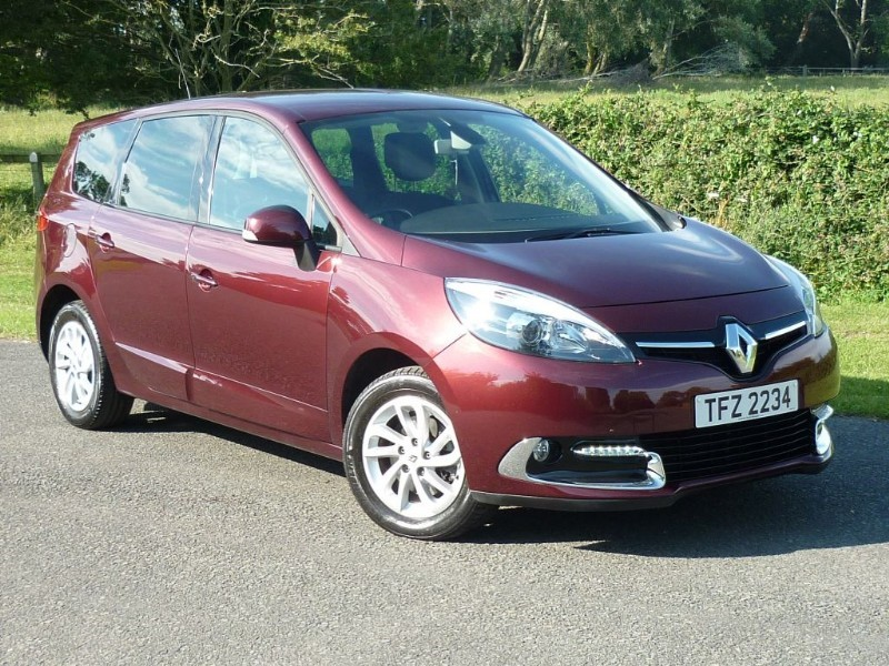 used Renault Grand Scenic DYNAMIQUE Tom Tom AUTO WITH 2 YEARS FREE SERVICING* in wirral-cheshire