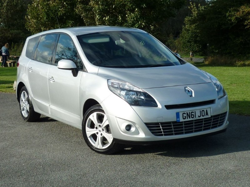 used Renault Grand Scenic DYNAMIQUE TOMTOM DCI WITH 2 YEAR FREE SERVICING* in wirral-cheshire