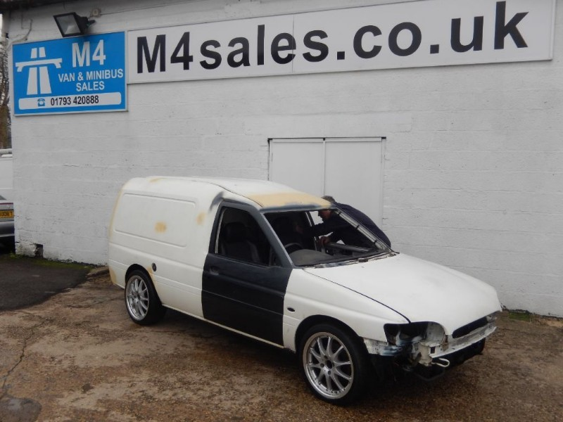 used Ford Escort VAN 2 LTR ZETEC 4X4 TURBO in wiltshire