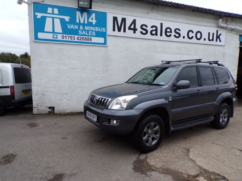 used Toyota Land Cruiser LC4 8-SEATS D-4D in wiltshire