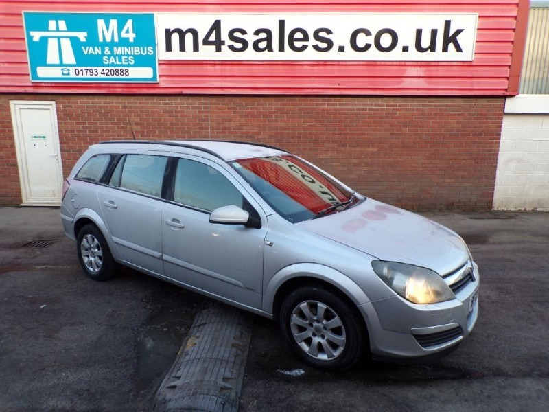 used Vauxhall Astra CLUB CDTI A/C in wiltshire
