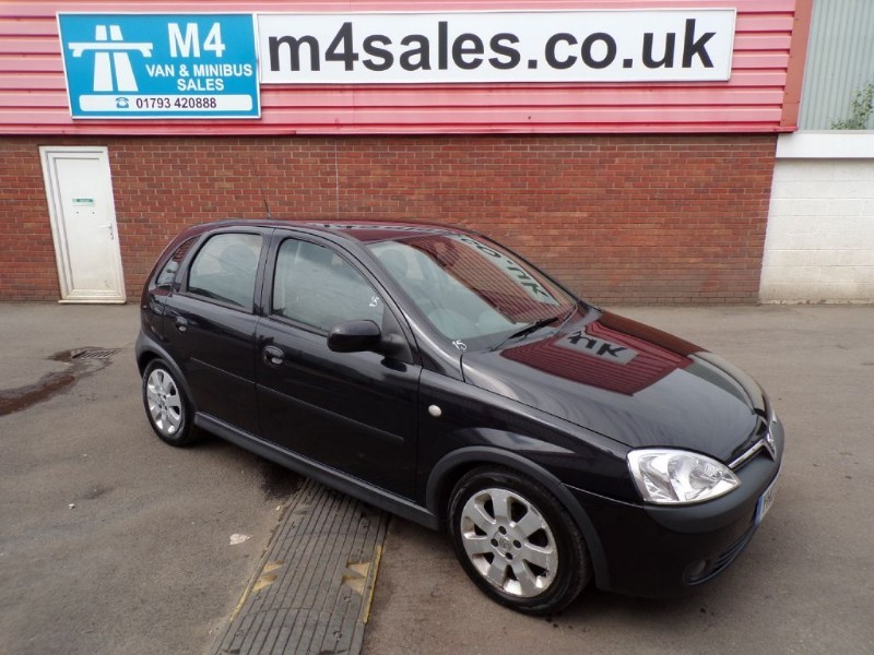used Vauxhall Corsa SXI 16V in wiltshire
