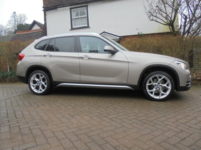 used BMW X1 XDRIVE 18D XLINE 4WD LEATHER in surrey-sussex