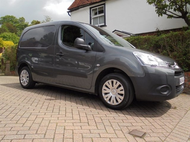 used Citroen Berlingo 625 ENTERPRISE L1 HDI - NO VAT - A/C - SAT NAV  in surrey-sussex
