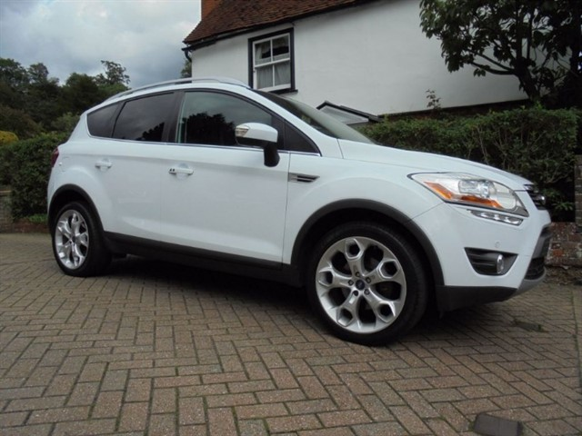 """used Ford Kuga TITANIUM X TDCI 4WD 163 BHP Leather/Pan roof/19"""" alloys in surrey-sussex"""