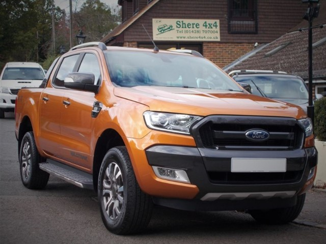 used Ford Ranger 3.2 TDCi Wildtrak Doublecab Auto - ONE OWNER in surrey-sussex