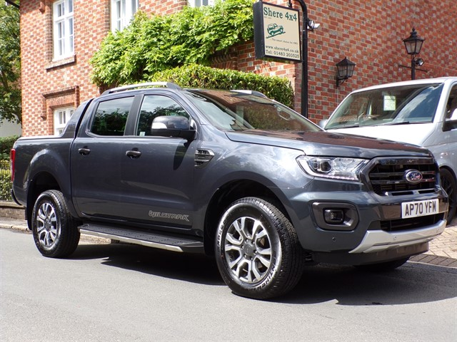 used Ford Ranger WILDTRAK 2.0 ECOBLUE DOUBLECAB AUTO-6500 MILES-ROLLER SHUTTER-NO VAT TO PAY in surrey-sussex