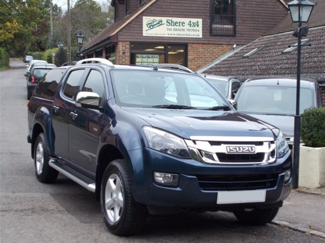 used Isuzu D-Max 2.5 TD Utah Vision Doublecab - WITH HARDTOP - 14000 MILES in surrey-sussex