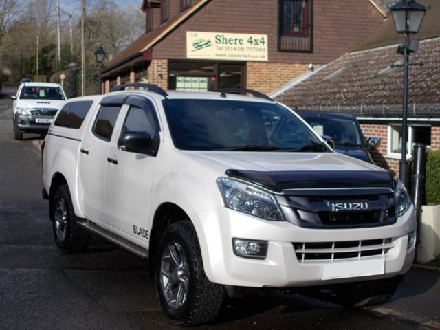 used Isuzu D-Max 2.5 TD Blade Auto Doublecab - WITH HARDTOP in surrey-sussex