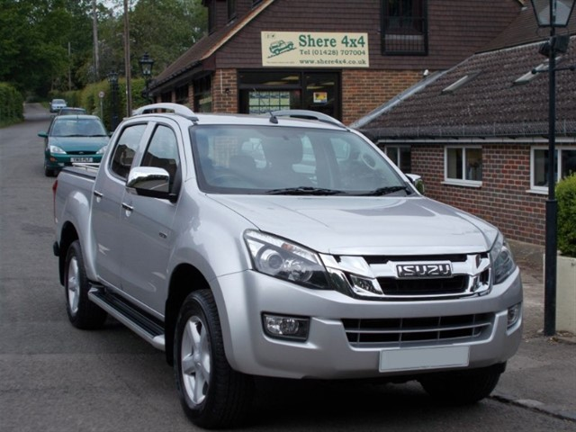 used Isuzu D-Max 2.5TD Yukon Doublecab Auto - NO VAT TO PAY in surrey-sussex