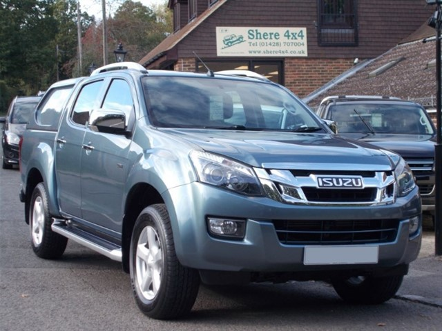 used Isuzu D-Max 2.5TD Utah Vision - WITH HARDTOP in surrey-sussex