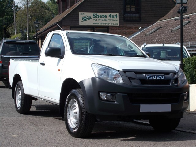 used Isuzu D-Max 2.5TD Singlecab 4x4 - 28000 MILES in surrey-sussex