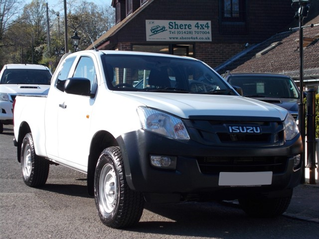 used Isuzu D-Max 2.5 TD Extended Cab - NO VAT TO PAY in surrey-sussex