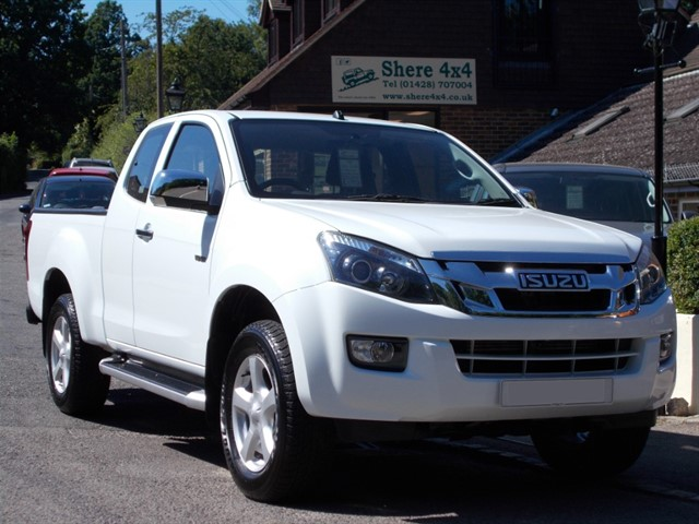 used Isuzu D-Max 2.5td Yukon EXTRA CAB - NO VAT TO PAY in surrey-sussex