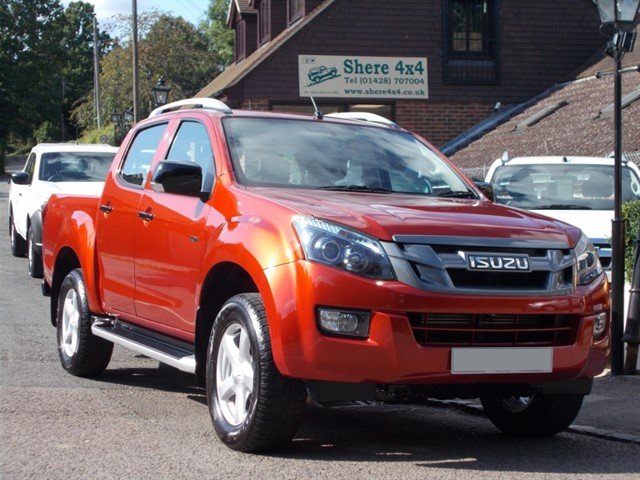 used Isuzu D-Max 2.5 TD Utah Vision Doublecab - 16000 MILES FROM NEW in surrey-sussex