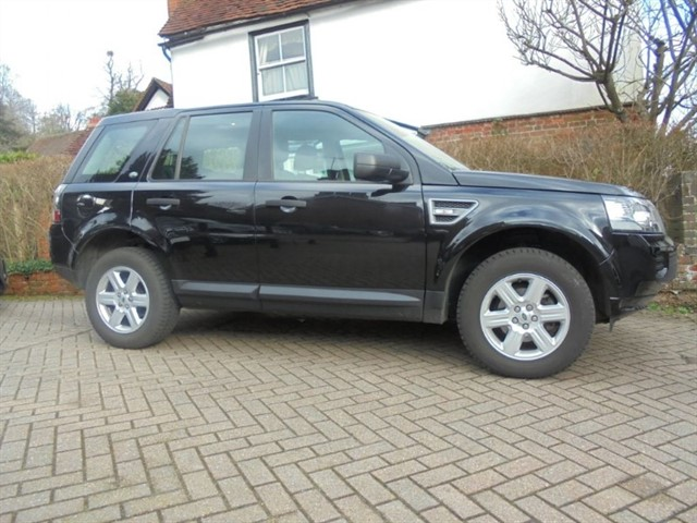 used Land Rover Freelander TD4 GS Leather FSH in surrey-sussex