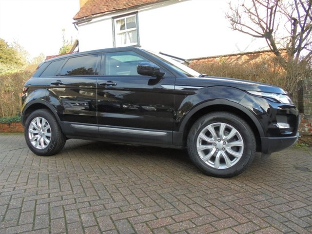 used Land Rover Range Rover Evoque SD4 PURE TECH SAT/NAV PAN ROOF in surrey-sussex