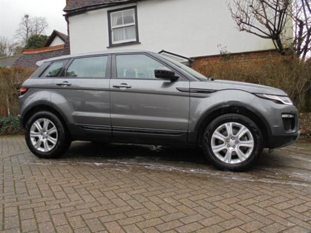 used Land Rover Range Rover Evoque TD4 SE TECH SAT/NAV PAN ROOF in surrey-sussex