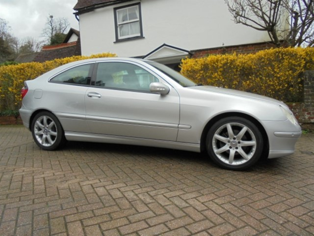 used Mercedes C180 K SE 26000 Miles 8 services in surrey-sussex